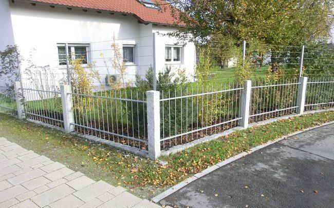 Gartenzaun mit Pflanzen Rankhilfe von Metallbau Vilshofen