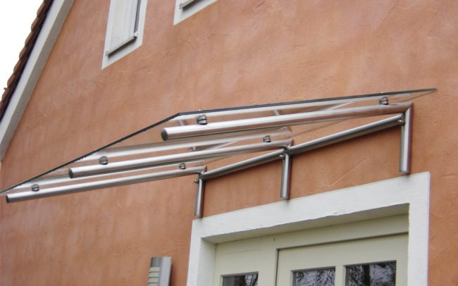 Glas Metall Vordach von Metallbauer in Hengersberg