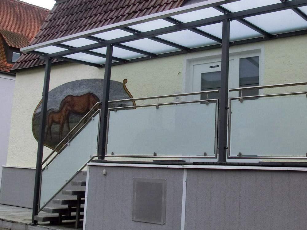 stahl glas vordach deggendorf metallbau florian jakob osterhofen metallbau florian jakob. Black Bedroom Furniture Sets. Home Design Ideas