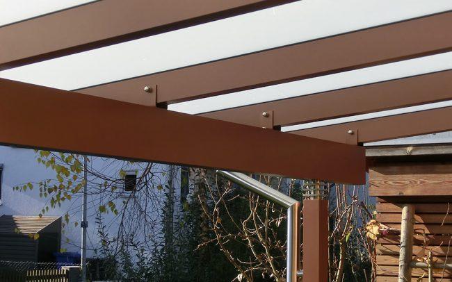 Stahl und Glas Überdachung für Terrasse in Plattling